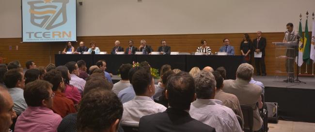 TCE - LANÇAMENTO CARTILHA GESTÃO FISCAL (70) (2)